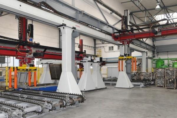 Kovací linka hliníkových podvozkových dílů Strojmetal