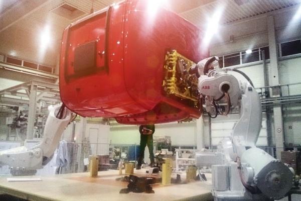 "Part of Scania's final assembly ""Tilt line"""