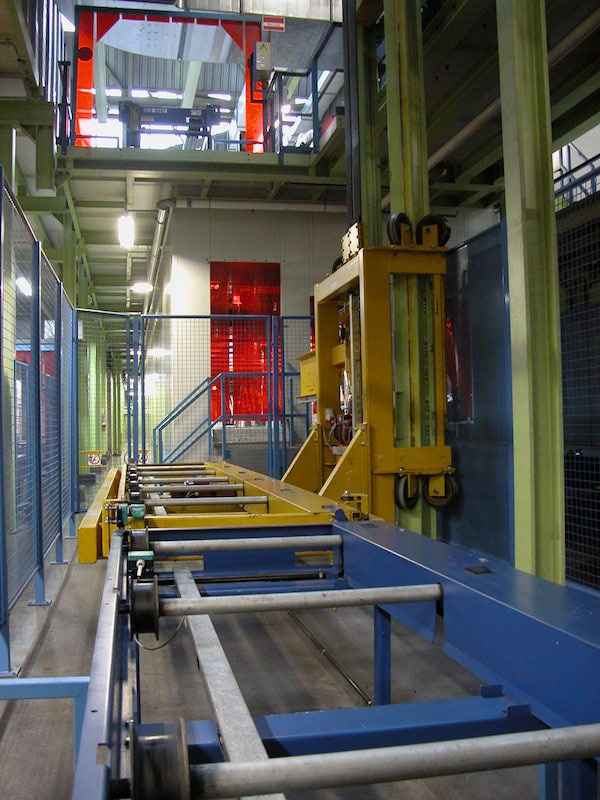 Conveyor technique and car body elevator solution in automotive industry.